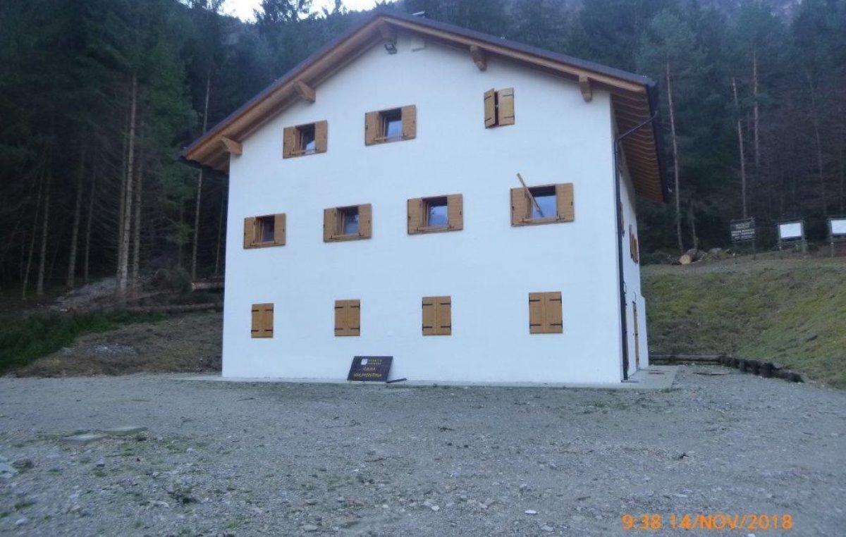 Concessione del fabbricato Casera Valmontina nella Foresta regionale della Valmontina in comune di Perarolo di Cadore (BL)